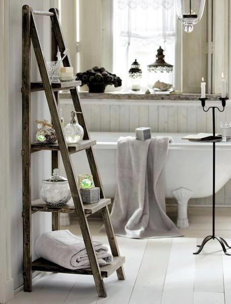 Scala portaoggetti bagno