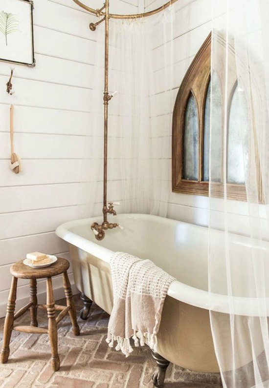 bagno-rustico-vasca