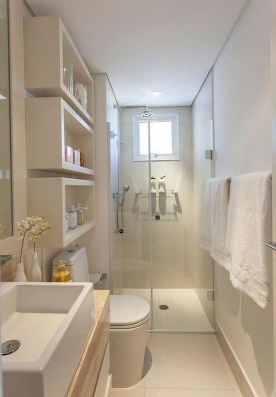 bagno-lungo-e-stretto-doccia