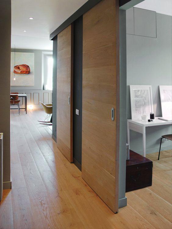 Casa con pavimenti in legno