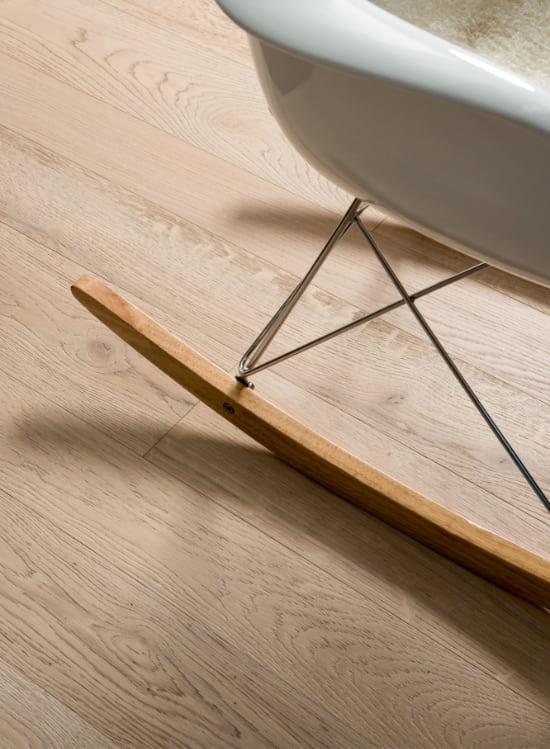 pavimento in legno verniciato