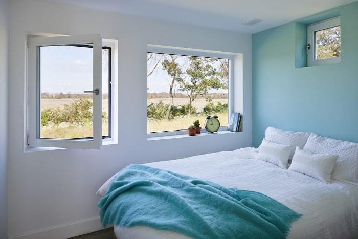 Camera da letto con serramenti in pvc