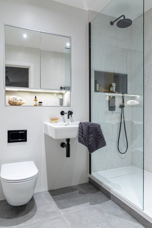 Lavabo sospeso per piccoli bagni