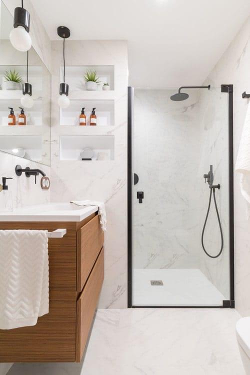 Piccolo bagno in marmo