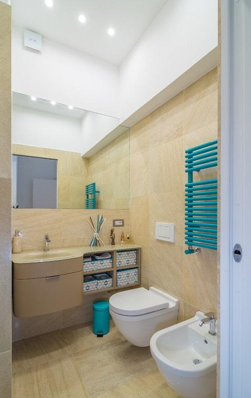Bagno moderno di piccole dimensioni