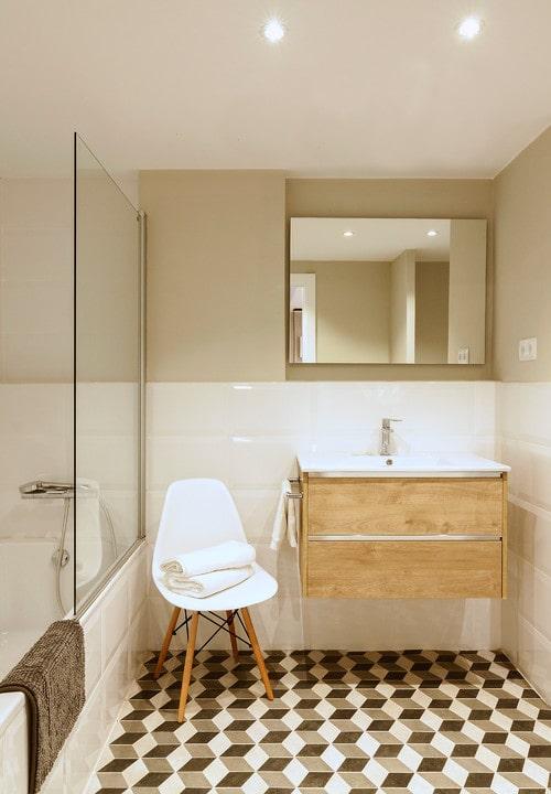 Rivestimento di un bagno piccolo