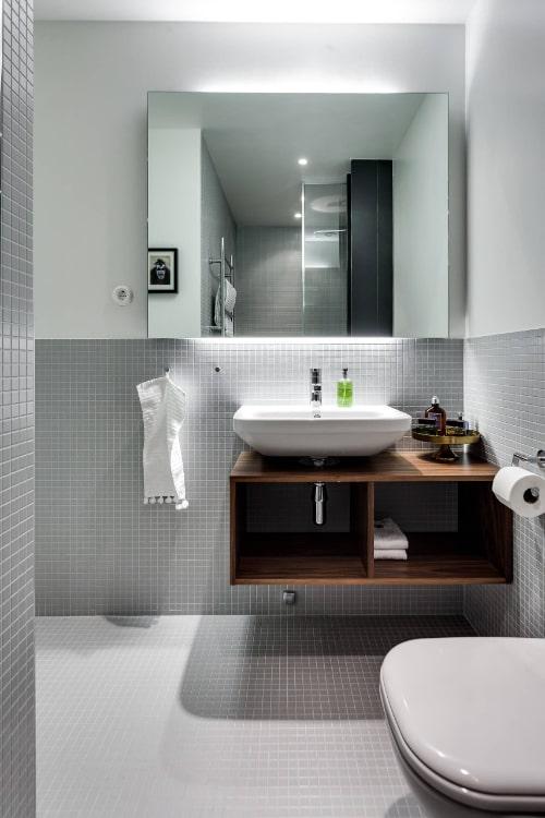 Illuminazione di un piccolo bagno