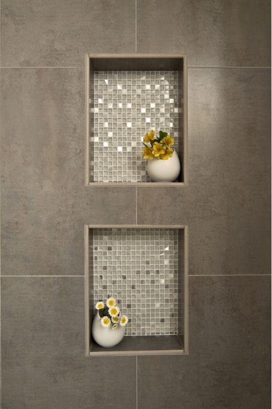 Nicchie in doccia con mosaico