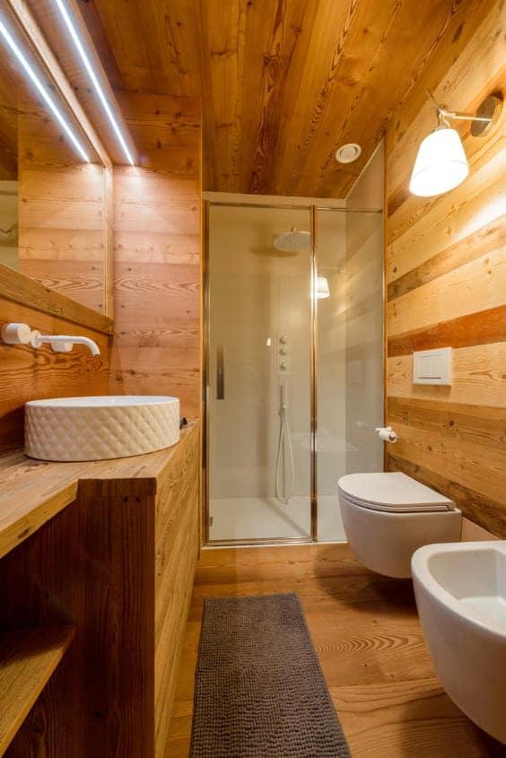 bagno rustico di montagna
