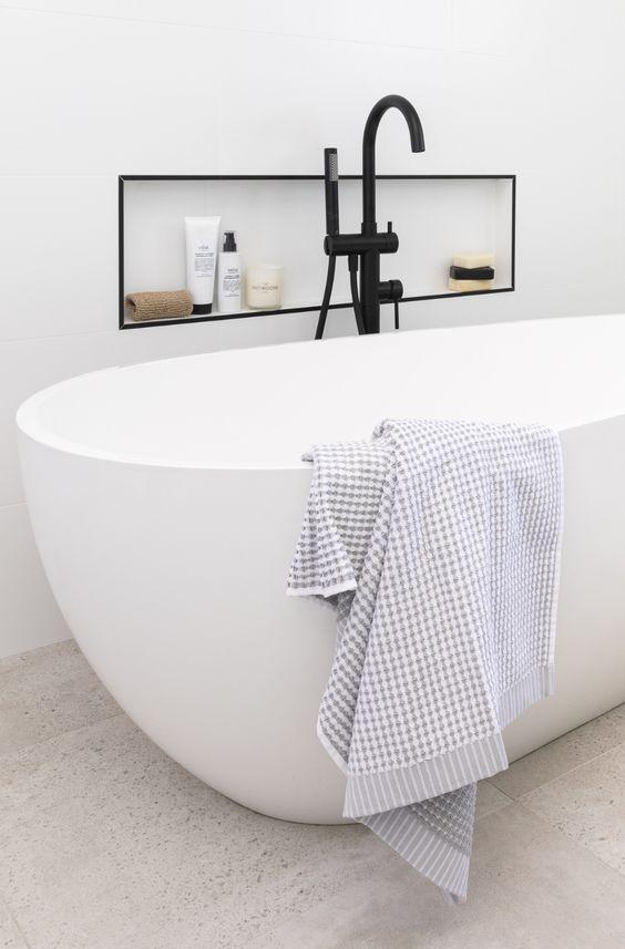 vasca a libera installazione ovale
