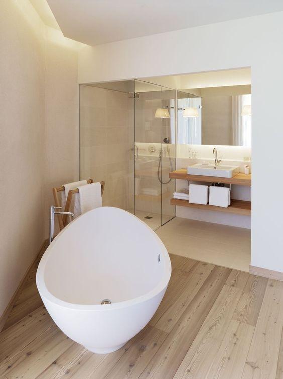 bagno con vasca freestanding