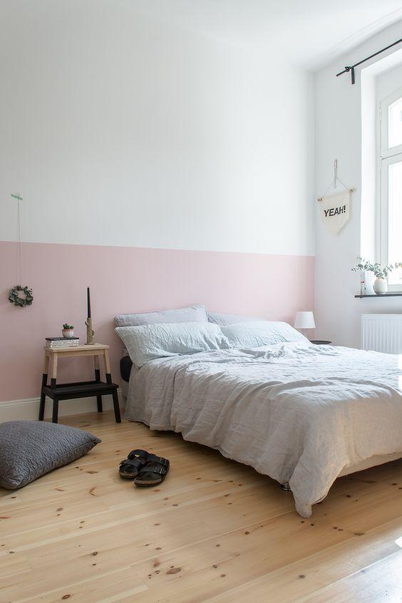 parete dietro il letto colorata