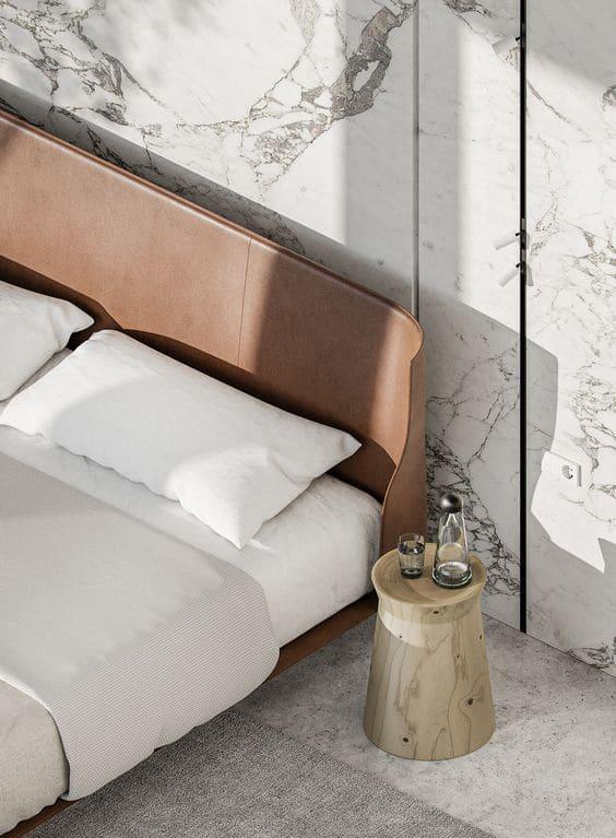 parete dietro letto in mattonelle